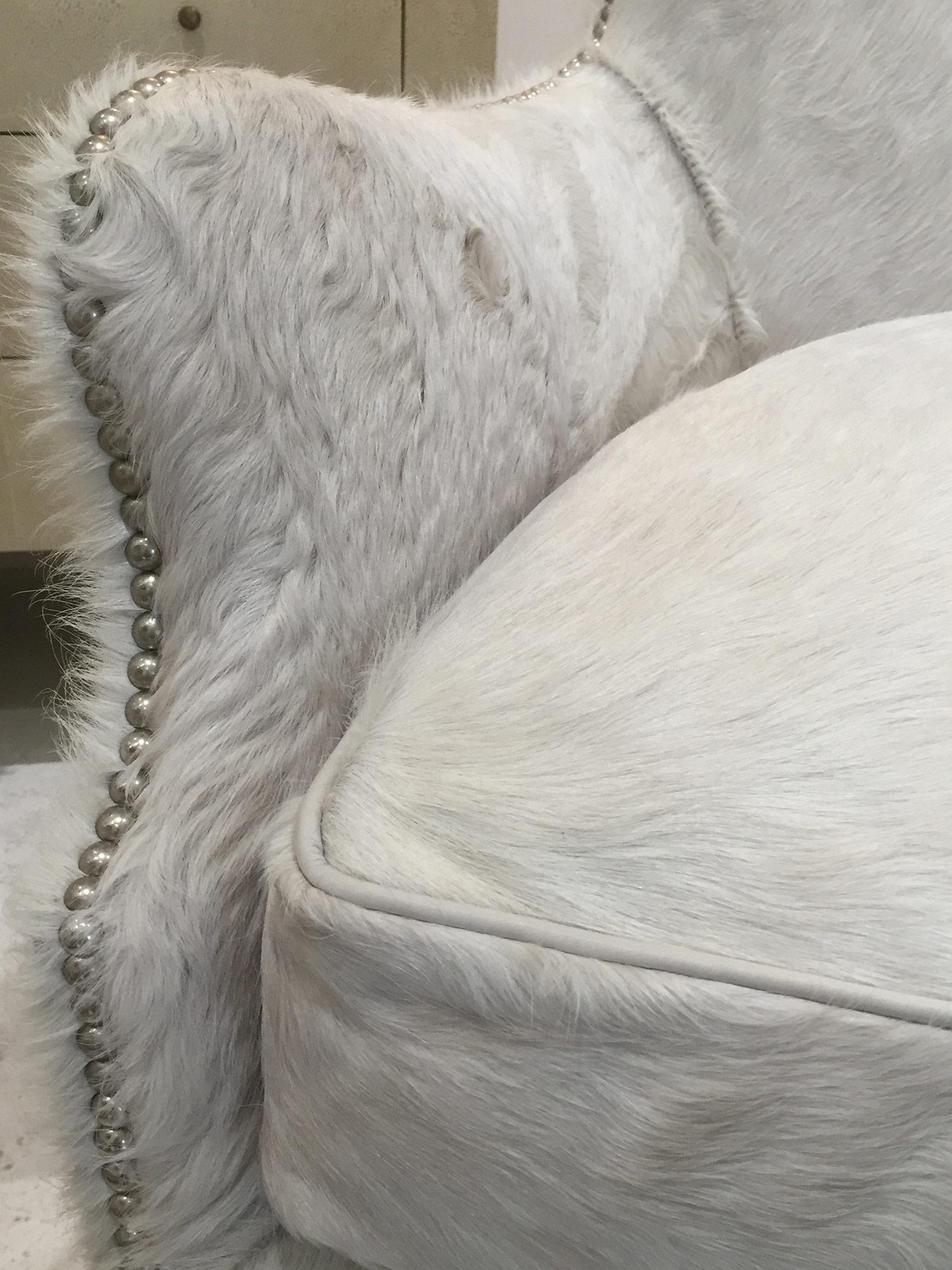 L1991-41_Hair-On-Hide_Swivel_Chair_Lee_detail.jpg