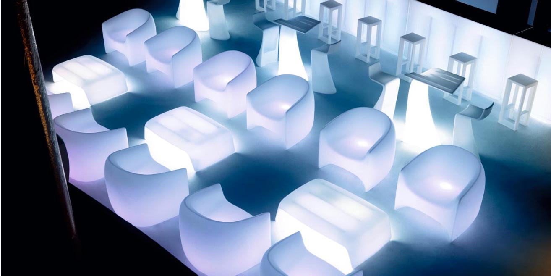 Blow_Lounge_Chair_Lit_Vondom.jpg