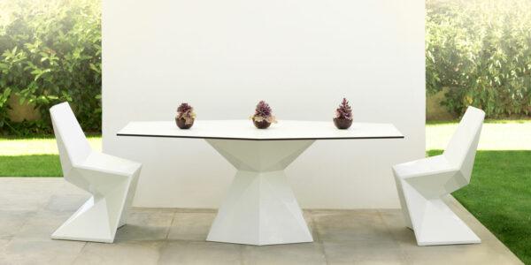 Vetex_Dining_Table_Chairs_Vondom.jpg