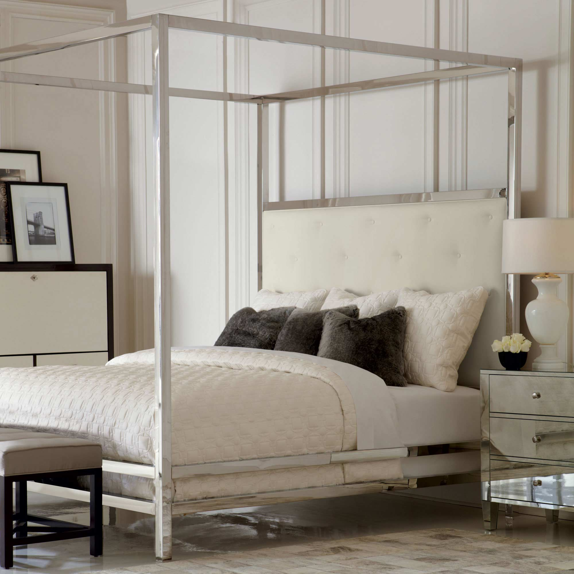 Landon_metal_poster_bed_Interiors_room